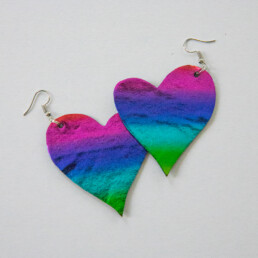 Pride-sydänkorvakorut
