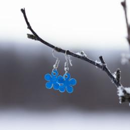 Siniset kukkakorvakorut
