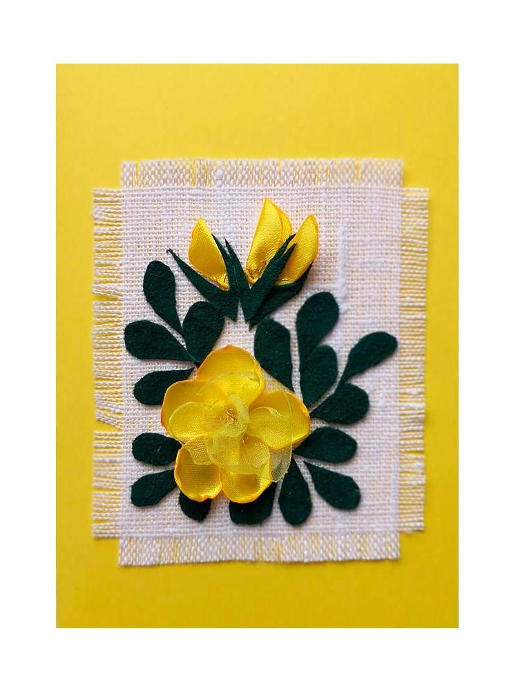 Keltainen ruusukortti