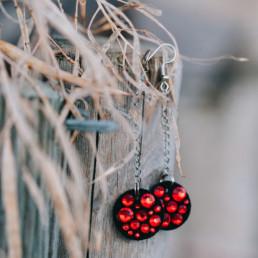 Punaiset strassikorvakorut