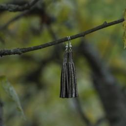vihreät nahkakorvakorut