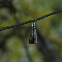 nahkaiset korvakorut