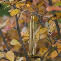 kultanahkaiset korvakorut
